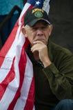 Ветеран армии участвуя в протесте козыря стоковые фото