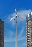ветер генераторов энергии зданий самомоднейший близкий Стоковые Изображения