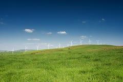ветер источника фермы альтернативной энергии Стоковые Изображения