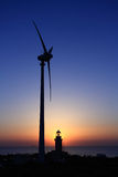 ветер турбины захода солнца маяка Стоковая Фотография RF