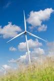ветер турбины источника фермы альтернативной энергии Стоковые Изображения