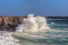 Ветер шторма и волна волн в Sagres Алгарве Португалия Стоковое фото RF