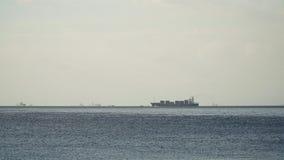Ветрила грузового корабля на море Филиппины, Манила Стоковые Изображения RF