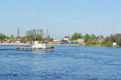Ветрила корабля вдоль реки Neva Стоковая Фотография