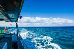 Ветрила яхты на море Стоковые Изображения RF