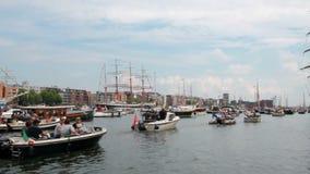 Ветрило Амстердам, Голландия акции видеоматериалы