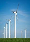 Ветрогенераторы, ветрянки, электричество стоковые фото