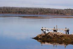 Ветротурбина около озера, Halifax County Стоковое Изображение