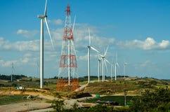 Ветротурбина против голубого неба Стоковые Изображения