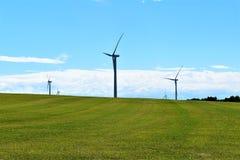Ветротурбины в сельской сельской местности, городке Chateaugay, Franklin County, Нью-Йорка Соединенных Штатов стоковая фотография rf