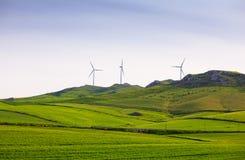 Ветротурбины в сельской местности Сицилии Стоковые Фотографии RF