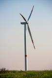 Ветротурбины или генератор производя электричество Сила Eco стоковое изображение rf