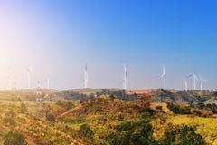 Ветротурбины на холме Стоковое Изображение