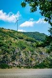 Ветротурбины на холме Стоковая Фотография RF