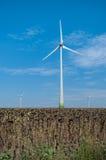 Ветротурбины производящ экологически чистая энергия Стоковая Фотография
