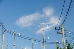 Ветротурбины с голубым небом Стоковое Изображение RF