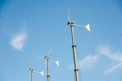 Ветротурбины с голубым небом Стоковые Фото