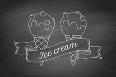 Ветроуловитель мороженого в конусах и винтажной ленте гравировки Стоковое Изображение RF