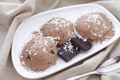 3 ветроуловителя мороженого шоколада vegan Стоковое фото RF
