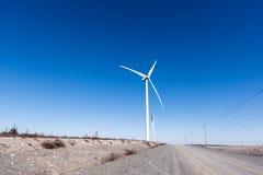 ветрянка ветра турбины силы энергии зеленая самомоднейшая Стоковое фото RF