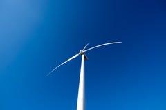 ветрянка ветра турбины силы энергии зеленая самомоднейшая Стоковое Изображение