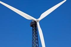 ветрянка ветра турбины фермы альтернативной энергии Стоковое фото RF