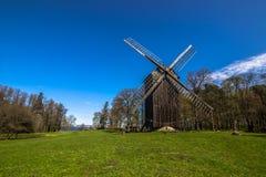 Ветрянка в музее Talinn под открытым небом, Эстония стоковая фотография rf