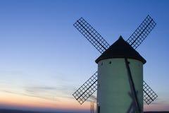 ветрянка захода солнца Стоковое фото RF