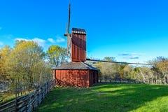 Ветрянка красного цвета охры деревянная Стоковое Изображение