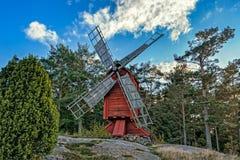 Ветрянка красного цвета охры деревянная Стоковая Фотография