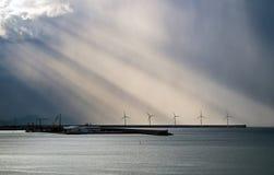 Ветрянка на море стоковые фотографии rf