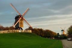 2 ветрянки в Брюгге, Бельгии Стоковое Изображение RF