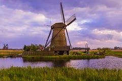 Ветрянки в Kinderdijk - Нидерландах Стоковая Фотография