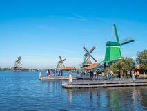 4 ветрянки в Zaan Schans Стоковые Изображения RF