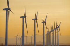 Ветрянки на восходе солнца Стоковые Изображения