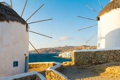 Ветрянки на острове Mykonos, Кикладах, Греции Стоковое Фото