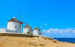 Ветрянки на seashore в Mykonos Стоковая Фотография RF