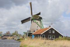 Ветрянки на Zaanse Schans Стоковые Фотографии RF