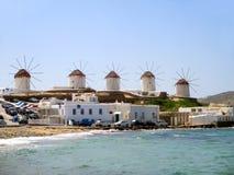 Ветрянки Chora на холме городка Mykonos, острова Mykonos Стоковые Фотографии RF