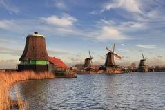 Ветрянки Zaanse Schans типичные Стоковая Фотография