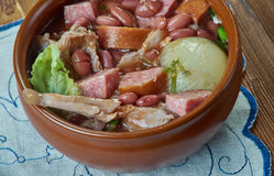 Ветчина бака глиняного кувшина и суп фасоли Стоковая Фотография RF