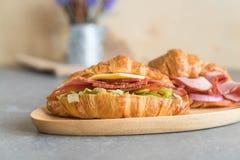 ветчина сандвича круассана Стоковое Изображение
