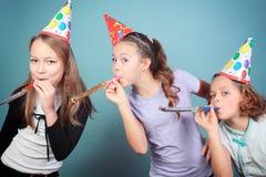 Вечеринка по случаю дня рождения малышей. Стоковое фото RF