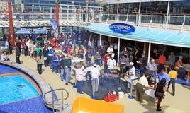 Вечеринка у бассейна палубы Стоковая Фотография RF