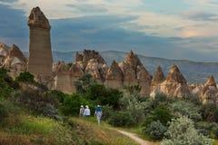 Вечер в долине влюбленности, популярном туристском назначении в Cappadocia Стоковое Изображение