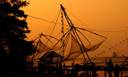 Вечер в китайских рыболовных сетях Стоковая Фотография RF