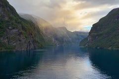 Вечер в Geirangerfjord, †«Скандинавии Geiranger - Норвегии Стоковые Изображения RF