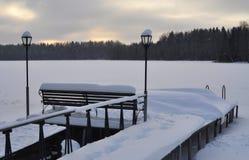 Вечер зимы на озере Стоковые Фото