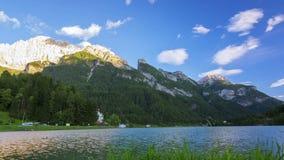 Вечер на озере горы Промежуток времени сток-видео