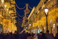 Вечер на улицах Баку, идя людях Стоковые Фото